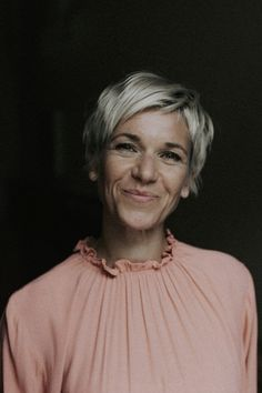 Hairstyles Over 50, Undercut Hairstyles, Pixie Hairstyles, Cute Hairstyles, Edgy Short Hair, Edgy Hair, Short Hair Cuts, Short Hair Styles, Bridesmaid Hair Updo