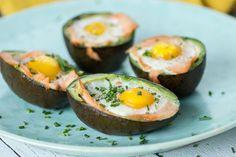 Lekker makkelijk als ontbijt. Je zult tot het middageten geen honger meer hebben door de eiwitten uit de zalm en eieren, en het vet uit de avocado. Print Avocado met [