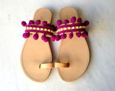 Pom Pom sandales sandales en cuir grec parfait par madammeshushu