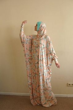 Ready to ramadan Floral beige Maxi Dress Plus Size Prayer Beige Maxi Dresses, Plus Size Maxi Dresses, Muslim Women Fashion, Islamic Fashion, Kaftan, Moslem Fashion, Mode Abaya, Africa Dress, Muslim Dress