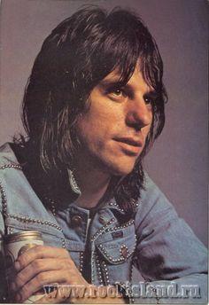 Jeff Beck The Yardbirds, Jeff Beck, Best Rock, Music People, Les Paul, Playing Guitar, Metal Bands, Rock Music, Rolling Stones
