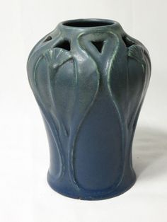 DATED 1915 VAN BRIGGLE RETICULATED PAPYRUS ARTS AND CRAFTS ART POTTERY VASE