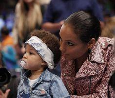 FOTOS: Alicia Keys e Swizz Beatz levam o filho Egypt ao jogo dos Knicks ~ Rolling Soul