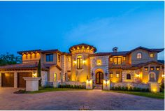 like the courtyard and curb appeal