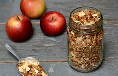 This apple pie granola recipe is a healthy, delicious breakfast. It can also serve as a nutritious snack to enjoy the flavors of fall.