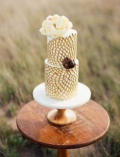 gold doily cake