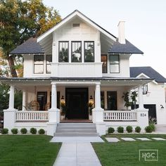 Home Plans with Porch . Home Plans with Porch . Modern One Story House Plan with Lots Of Natural Light Dream Home Design, My Dream Home, House Design, Dream House Exterior, Dream House Plans, Black Trim Exterior House, White Siding, Estilo Craftsman, Craftsman Homes