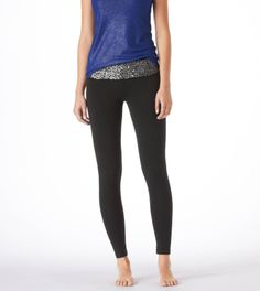 Love the sequined band on these skinny yoga pants!