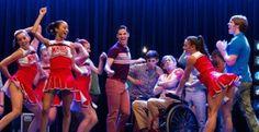 "Recensione del quinto episodio di Glee 5, ""The End Of Twerk"": http://shiningstar4.wordpress.com/2013/11/22/glee-5x05-the-end-of-twerk/"
