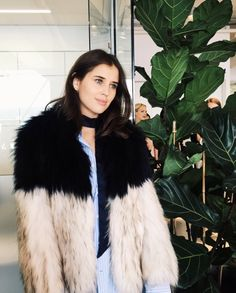 Fashion Gone rouge - winter street style Fur Fashion, Fashion Editor, Couture Fashion, Fashion Outfits, Fashion Gone Rouge, Garance, Bohol, Autumn Winter Fashion, Winter Style