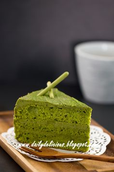 dailydelicious: Green tea chiffon cake with Green tea white chocolate whipped ganache