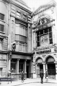 Architect: T. McNamara The Capitol Theatre, located just off O'Connell Street, Dublin, began life on 10 August 1920 as the La Scala Theatre and Opera House. Ireland Pictures, Old Pictures, Old Photos, Molly Malone, Ireland Homes, Dublin City, Puglia Italy, Dublin Ireland, Diners
