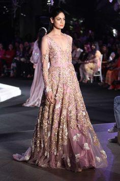 Manish Malhotra | Lakme Fashion Week Winter Festive 2016 #LFWWF2016 #manishmalhotra #PM