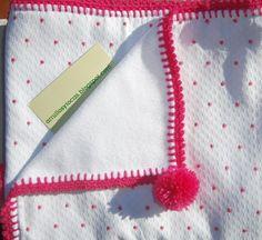arrullo blanco con pintitas rosa~ Ʀεƥɪииεð вƴ╭•⊰✿ © Ʀσxʌиʌ Ƭʌиʌ ✿⊱•╮