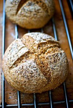 Pan integral con semillas de avena y lino. 2 levados.