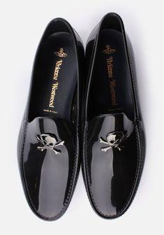 Vivienne Westwood Skull & Crossbone Men's Moccassin Black – Men's style, accessories, mens fashion trends 2020 Me Too Shoes, Men's Shoes, Shoe Boots, Dress Shoes, Shoes Men, Gq Style, Mode Style, Fashion Shoes, Mens Fashion