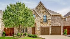 7025 Coverdale Drive - Plano, TX home for sale 4 Bedrooms | 3.5 Baths | Updated Offered at $636,000  The Jan Richey Team