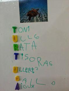 tresquatreicinc: DE TANT EN TANT... UN ACRÒSTIC! Homeschool, Teaching, My Love, Logos, Writing, Early Education, Initials, Words, Fresco