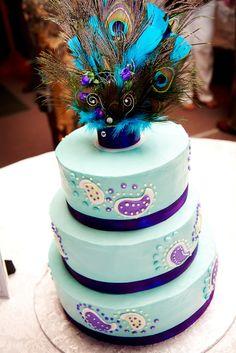 Peacock wedding cake :) (akstudiodesign.com)