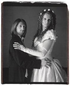 tumblr_me5h6pSLN21r353bno1_r1_1280  http://www.flavorwire.com/355366/fascinating-prom-portraits-from-across-america/view-all