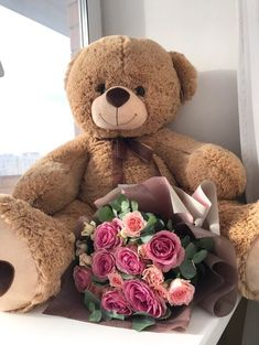 Valentines Day Teddy Bear, Flowers For Valentines Day, Valentines Day Food, Valentine Gifts, Large Teddy Bear, Giant Teddy Bear, Teddy Bears, Teddy Bear Pictures, Teddy Girl
