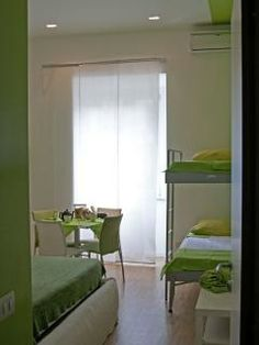 WELLNESSINNROME ShortLet 4Rooms 3Baths - Vacation Rentals in Rome, Lazio - TripAdvisor $390? approx. 4 bedroom sleeps 11