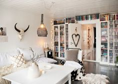 Such a cozy & cool home Daily Dream Decor