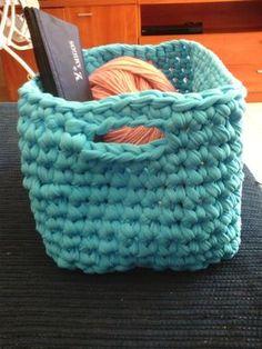 Loom Knitting, Merino Wool Blanket, Basket, Diy, Pillows, Rugs, How To Knit, Fabrics, Crocheting