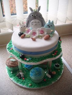 Cakes of stuff and totoro #7