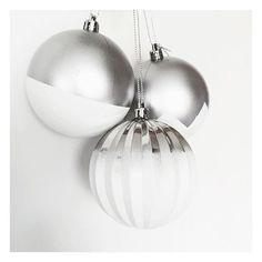 Okay so I know Christmas has been and gone and you're probably asking why I'm posting Christmas baubles... Well I picked these up on clearance from @kmartaus for just $2 (they came in a set of eight silver assorted baubles) and decided to do a little Kmart hack on them by spray painting them! Such an affordable, quick and easy way to create gorgeous decorations without paying ridiculous amounts! Kmart Hack, Christmas Baubles, Spray Painting, Diy Ideas, Hacks, Ceiling Lights, Decorations, Create, Easy