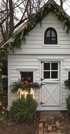 Master's Class: Holiday Decorating on a Budget - The Accent™