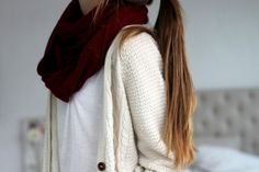 ♡infinity scarves + chunky knit sweaters♡