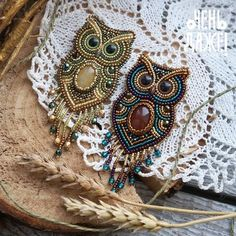 Tomsk products - 154 productsThe goods are very good! Crochet Jewelry Patterns, Bead Embroidery Patterns, Bead Embroidery Jewelry, Hand Embroidery Designs, Beaded Embroidery, Beading Patterns, Brooches Handmade, Handmade Jewelry, Beaded Crafts