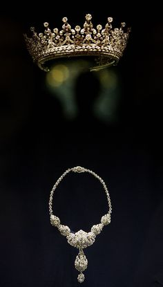 The Girls of Great Britain tiara from Garrards, and a Cartier diamond and platinum necklace - Royal jewels.  There's a more detailed pin of the tiara on Tiaras I