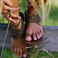 Feedly feet