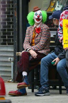Joker Batman, Batman Art, Joker And Harley, Harley Quinn, Joker Photos, Joker Images, Joaquin Phoenix, Joker Origin, Dc Comics