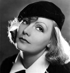 Greta Garbo (Estocolmo, 18 de septiembre de 1905 — Nueva York, 15 de abril de 1990) es el seudónimo de Greta Lovisa Gustafsson, una actriz sueca nacionalizada estadounidense que vivió la mayor parte de su vida en Estados Unidos y adquirió reconocimiento internacional por participar en varias producciones cinematográficas de Hollywood, tanto mudas como sonoras, en los años 1920 y 1930. Se retiró de la actuación en 1941.