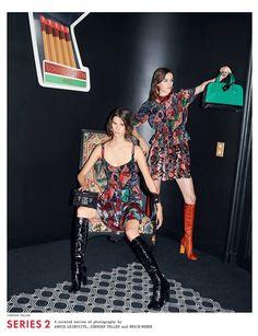 Ni uno ni dos, sino tres fotógrafos son los artífices de la campaña de Louis Vuitton para la próxima temporada. Annie Leibovitz, Juergen Teller y Bruce Weber han sido los encargados de realizar las instantáneas, de las que la maison francesa ha ofrecido un adelanto.
