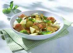 Zucchini-Melonen-Salat mit Putenstreifen #Rezept #Rezepte #Salat #Gefluegel #Pute