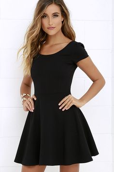 7f01a672bc Winning Look Black Skater Dress