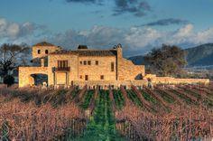 A breathtaking villa nestled in the foothills