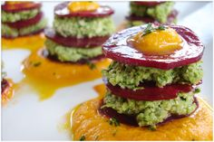 Beauty Beets With Parsley Pesto & Sweet Pepper-Fennel  Cream-I can't wait to try this! #rawvegan