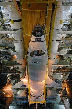 All sizes | Released to Public: Space Shuttle Discovery by Kim Shiflett (NASA KSC-06PD-2441) | Flickr - Photo Sharing!