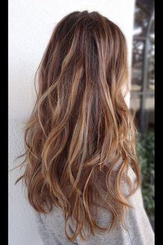Long hair/ brunette waves