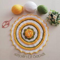 Arabian Mehndi Design, Mehndi Designs, Sleeves Designs For Dresses, Sleeve Designs, Pretty Wedding Rings, Knitting Patterns, Crochet Patterns, Lace Doilies, Crochet Fashion