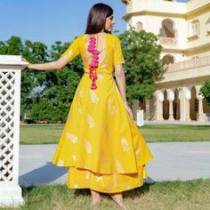 Trendy dress indian style anarkali beautiful 37 ideas Source by indian Kurta Designs Women, Salwar Designs, Kurti Designs Party Wear, Lehenga Designs, Indian Gowns, Indian Attire, Indian Outfits, Indian Anarkali, Indian Wear