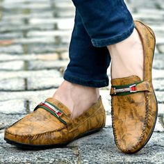 Checkout this latest Sports Shoes Product Name: *Men Loafer Shoes* Sizes:  IND-6, IND-7, IND-8, IND-9, IND-10 Easy Returns Available In Case Of Any Issue   Catalog Rating: ★4 (485)  Catalog Name: Unique Graceful Men Shoes CatalogID_776155 C67-SC1235 Code: 064-5238908-947