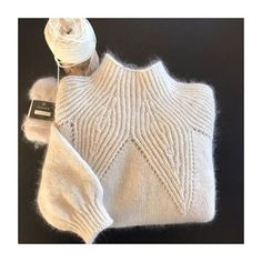 One of the most beautiful sweaters I have knitted has been finished. : One of the most beautiful sweaters I have knitted has been finished. Sweater Knitting Patterns, Knitting Stitches, Knitting Designs, Knit Patterns, Baby Knitting, Knit Fashion, Knitwear, Knit Crochet, Sweaters