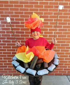 Need ideas for Halloween Costumes for Teen Boys? Here are some great DIY Halloween costume ideas that your teenager will love. Camping Halloween, Diy Halloween, Pool Noodle Halloween, Halloween Mignon, Homemade Halloween Costumes, Halloween Costumes For Teens, Cute Costumes, Costume Ideas, Halloween Camping Decorations