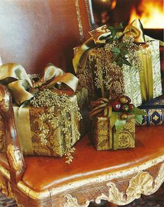 Carolyne Roehm: Christmas in Connecticut Merry Christmas, All Things Christmas, Christmas Holidays, Christmas Crafts, Christmas Decorations, Italy Christmas, Elegant Christmas, Christmas Centerpieces, Beautiful Christmas